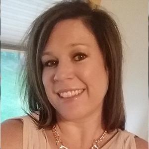 Headshot-Testimonial-Rene